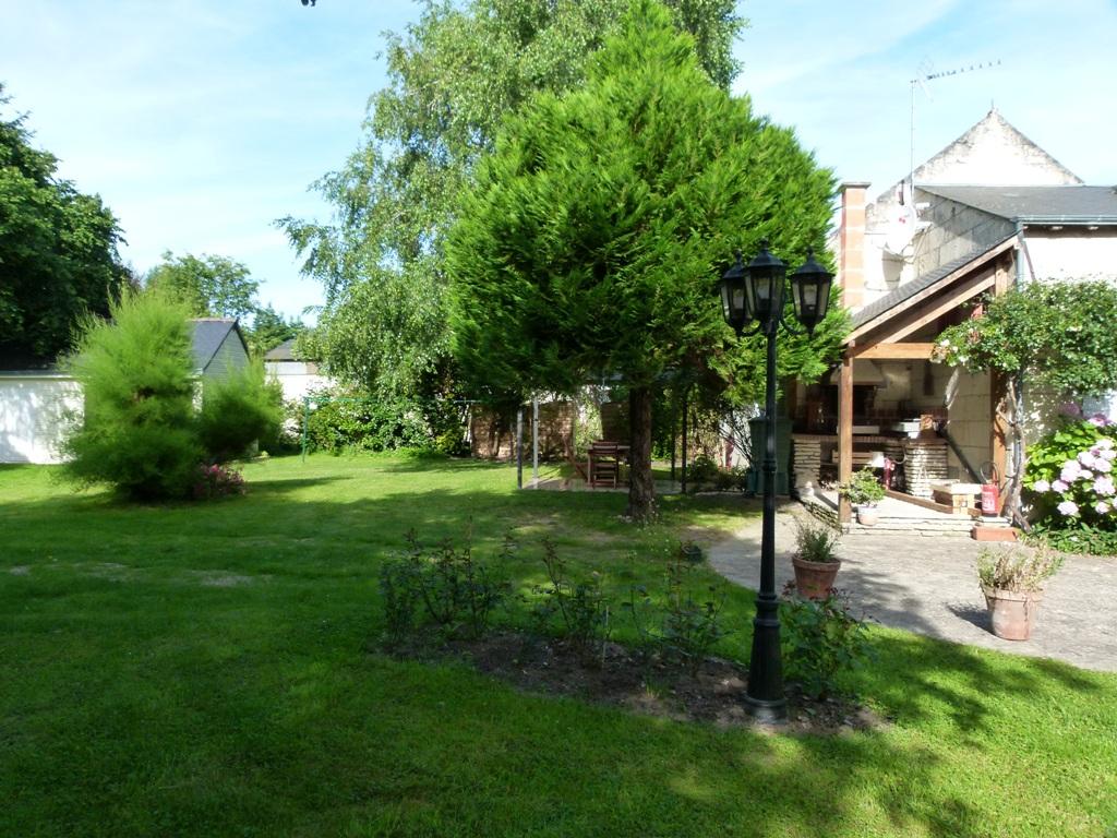 Gîte Les Clématites Chouzé-sur-Loire : acces et barbecue