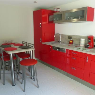 Gîte Les Clématites Chouzé-sur-Loire : cuisine vue de la terrasse