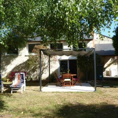 Gîte Les Clématites Chouzé-sur-Loire : coté parc